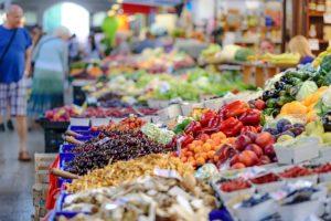 市場の食料品店